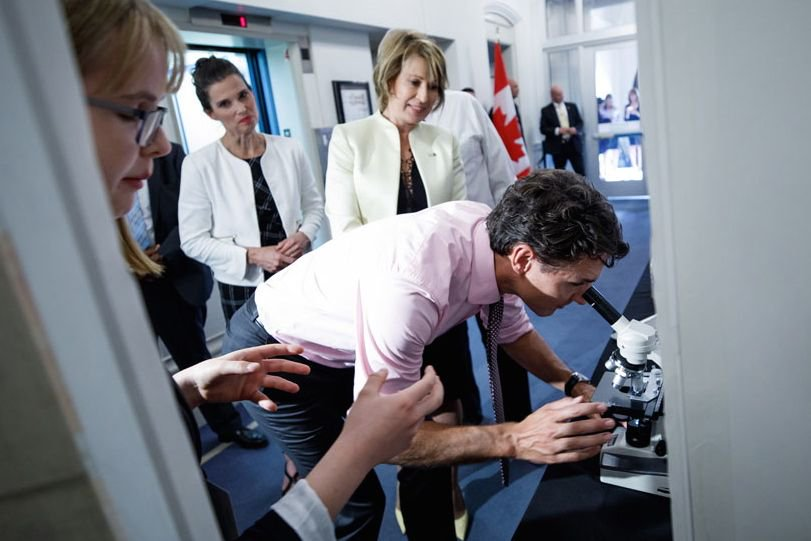 Prime Minister Justin Trudeau attends a science fair at the Office of the Prime Minister and Privy Council in Ottawa on Sept. 26. (PM.gc.ca)